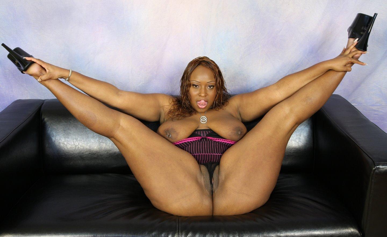 skyblack-naked